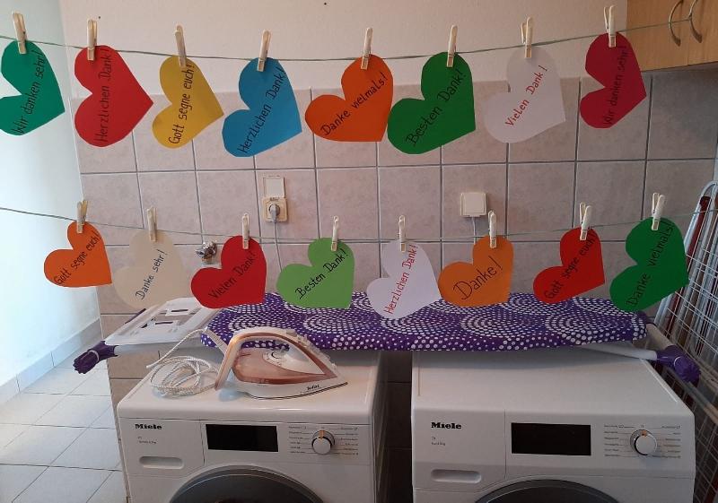 Neue Waschmaschine und Wäschetrockner